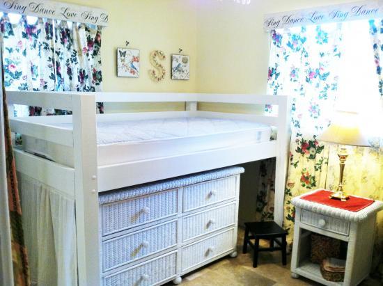 Popular Reader Showcase Loft Bed She Cave