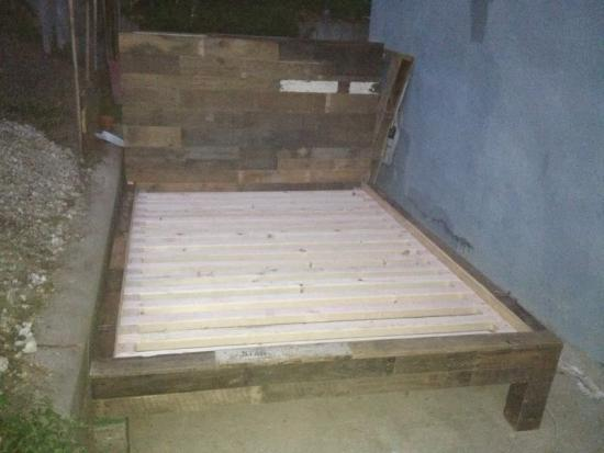 The Design Confidential Reader Showcase: Emmerson Bed from Pallets