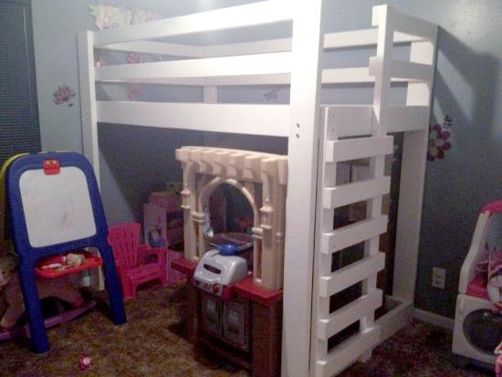 Inspirational Reader Showcase Low Loft Bunk with Vertical Ladder