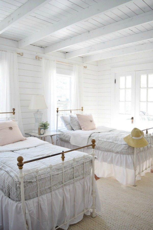 grils bedroom makeover