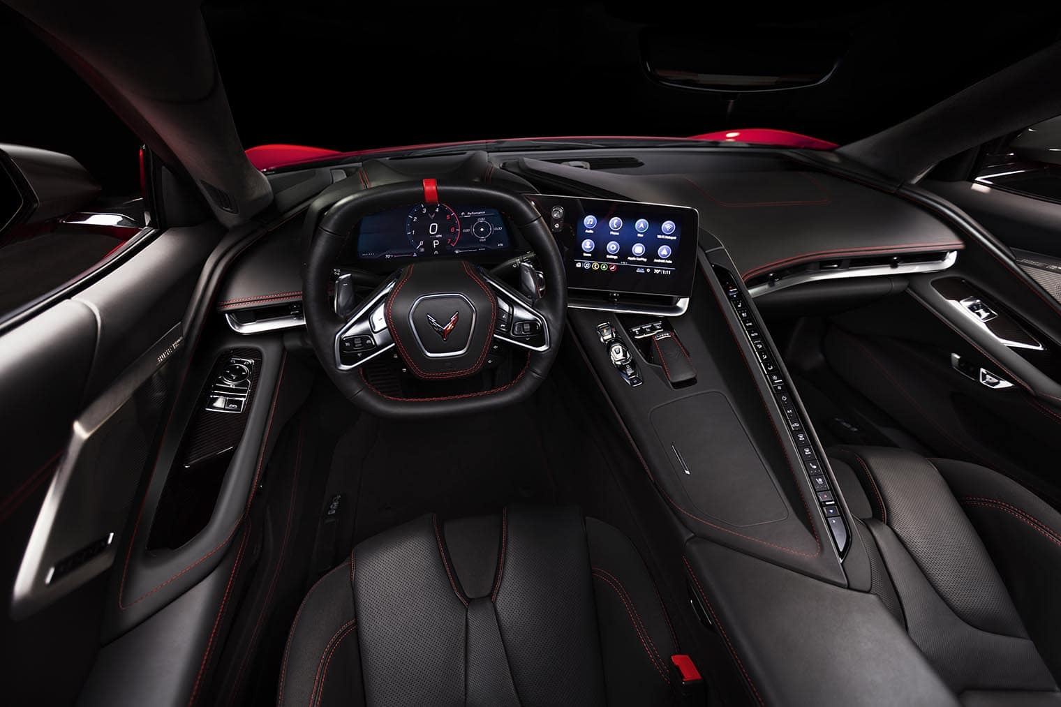 hight resolution of the c8 gets a much more sophisticated and driver oriented cockpit