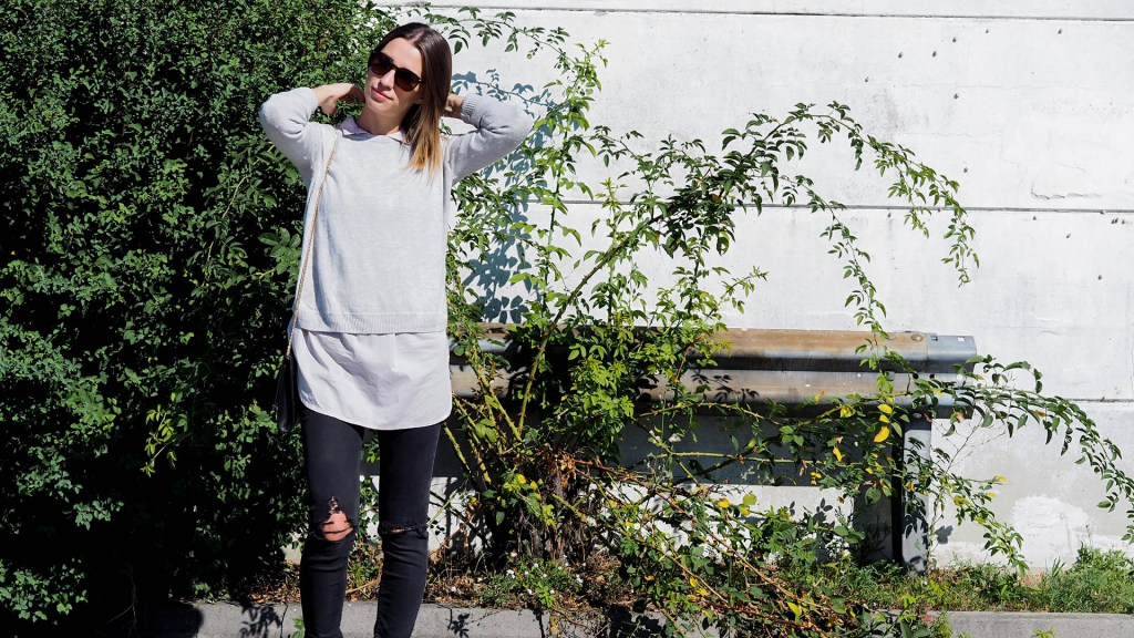 thediaryofbianca Beitragsbild Outfit Pullover, Bluse, Boots und destroyed Jeans