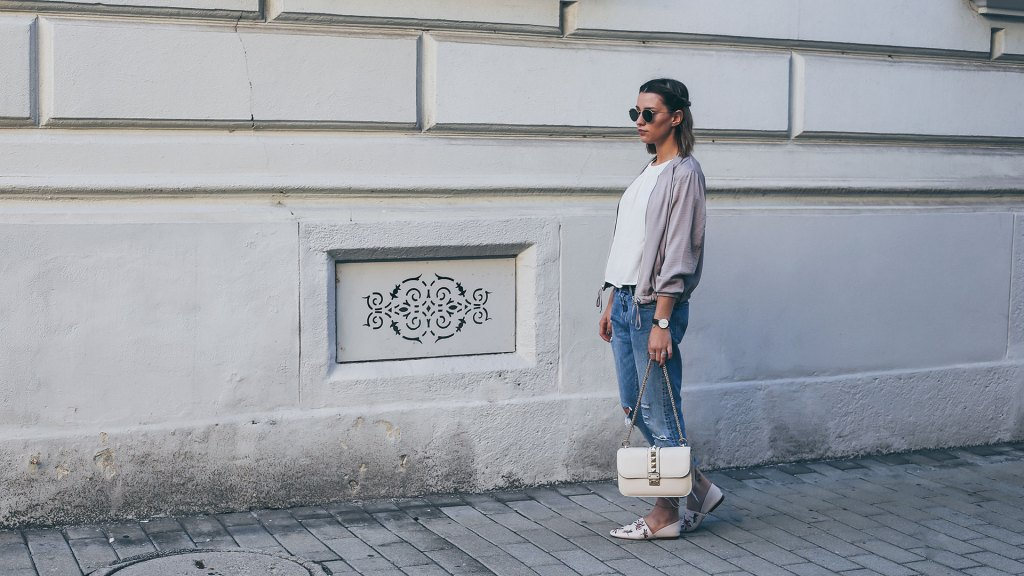 thediaryofbianca Beitragsbild_Outfit_Levis-Jeans-Valentino-Dupe-und-etwas-rosa