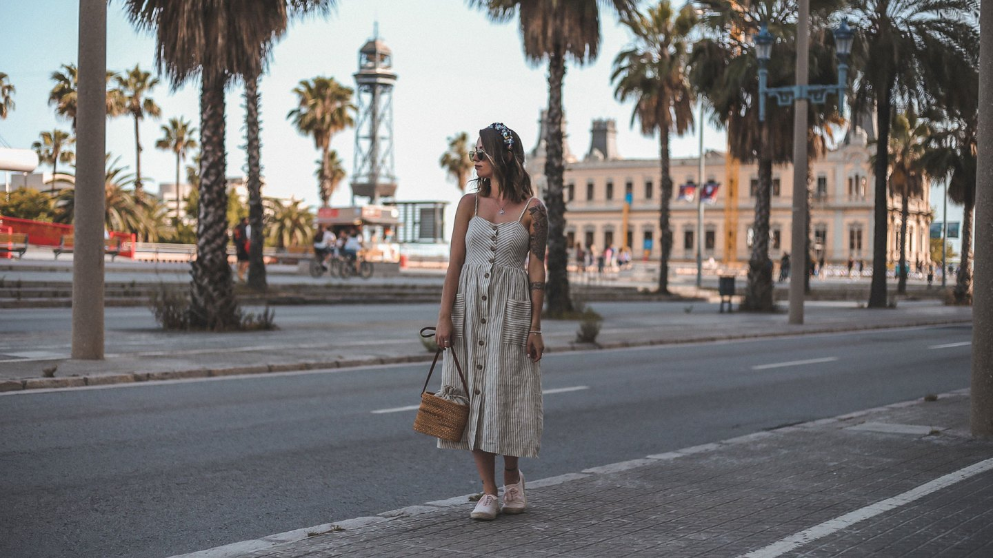 Leinenkleid, Korbtasche & Flower Crown – Barcelona