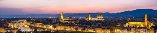 A broader panorama of the the Ponte Vecchio then the Palazzo Vecchio, Il Duomo and finally the the Basilica di Santa Croce.