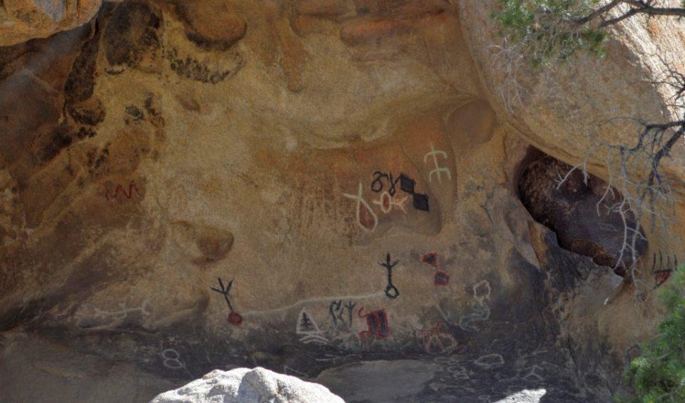 joshua-tree-petroglyphs