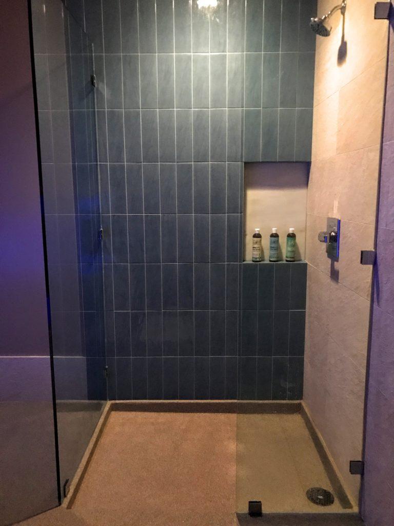pause-float-studio-shower