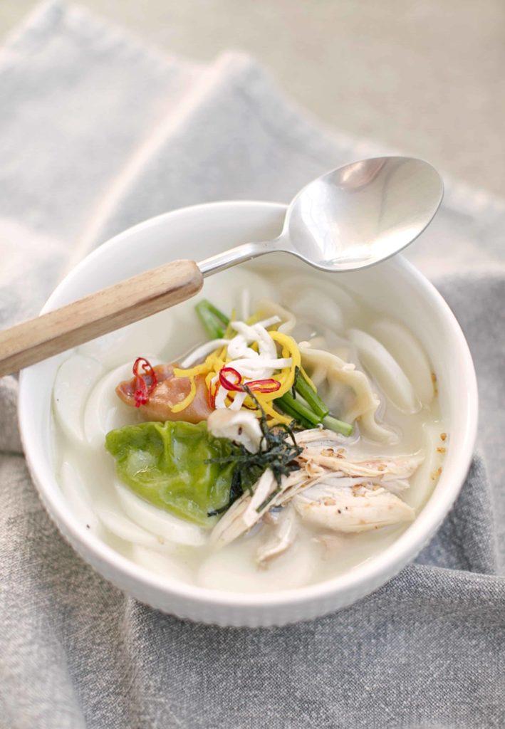 Korean rice cake soup recipe for New Years Day #ricecakesoup #koreanrecipe #koreanfood #TheDimpleLife