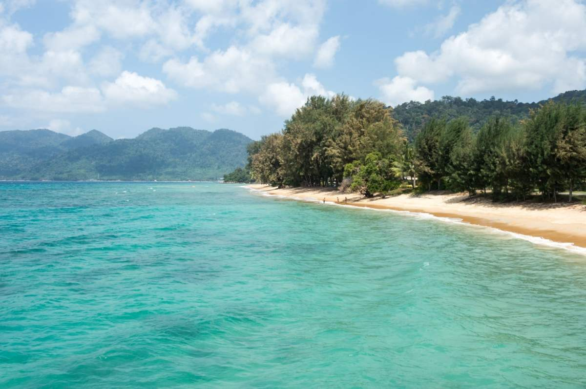 Tioman Island. Four awesome Southeast Asia travel itineraries I Photography I Itinerary I Landscape I Food I Architecture I Laos I Thailand I Cambodia I Myanmar I Malaysia I Vietnam. Read the full travel guide now #travel #backpacking