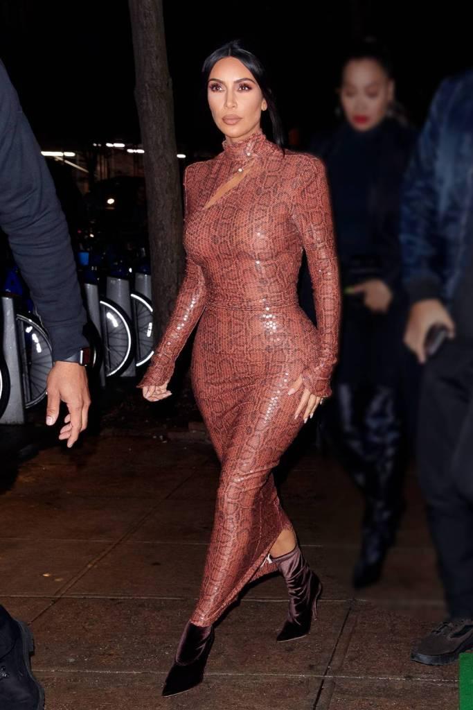 Petite celeb style- Pear shaped body: Kim Kardashian - Thediystyle