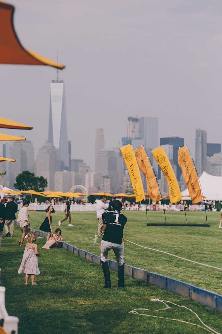 veuve clicquot polo classic fashion blogger anja tufina26