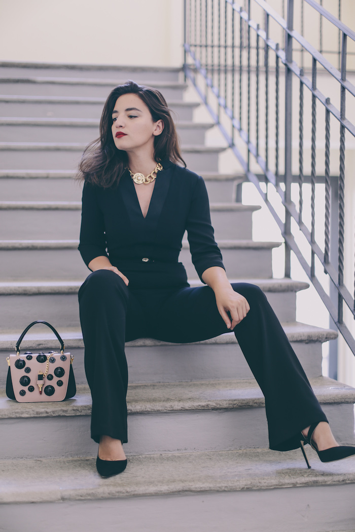 black jumpsuit kocca gold necklace fashion blogger
