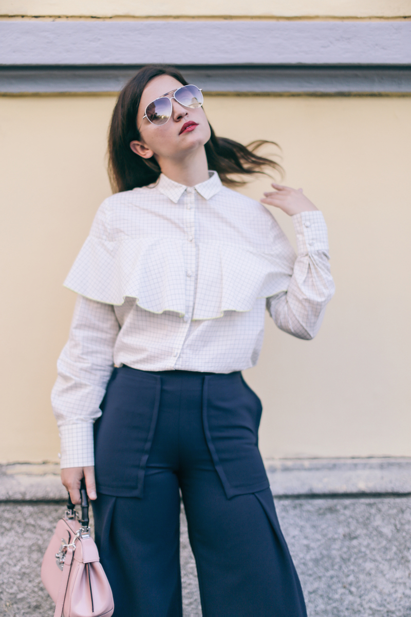 70s-are-back-outfit-mangano-pants-twisty-parallel-universe-ruffle-shirt-anja-tufina