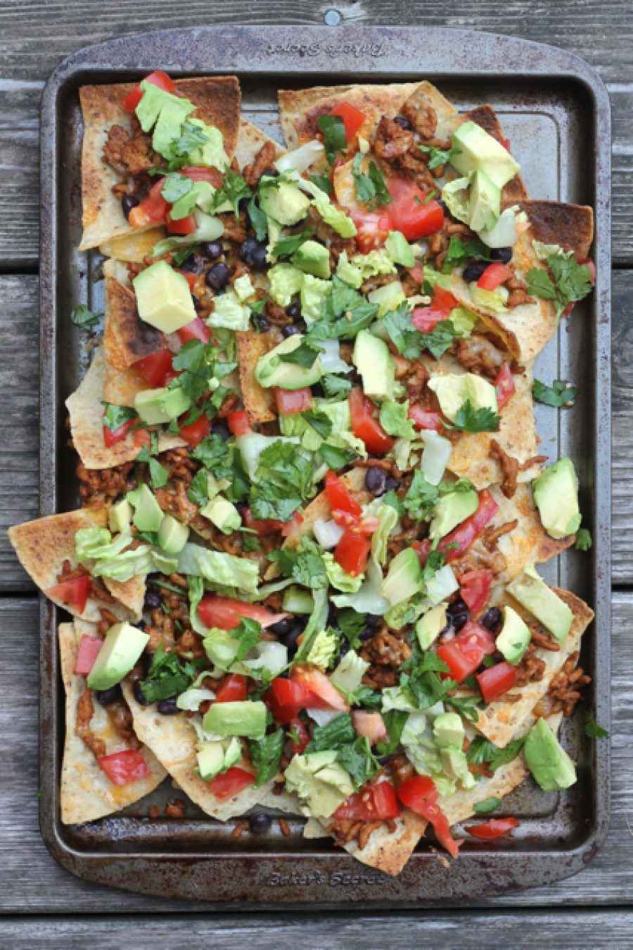 Loaded Supper Nachos | thedomesticblonde.com