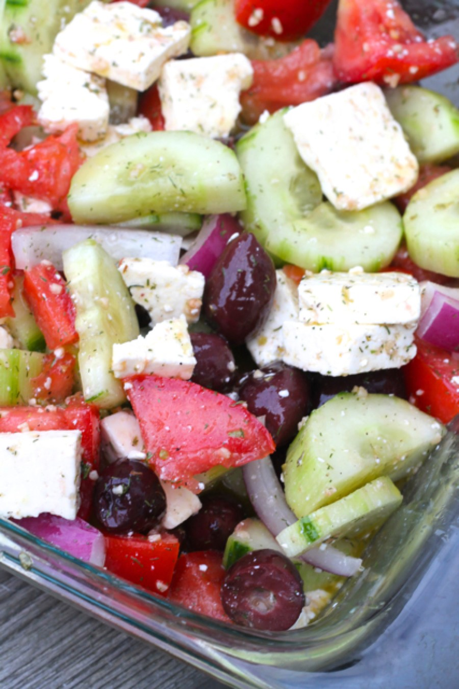 Marinated Greek Salad | thedomesticblonde.com