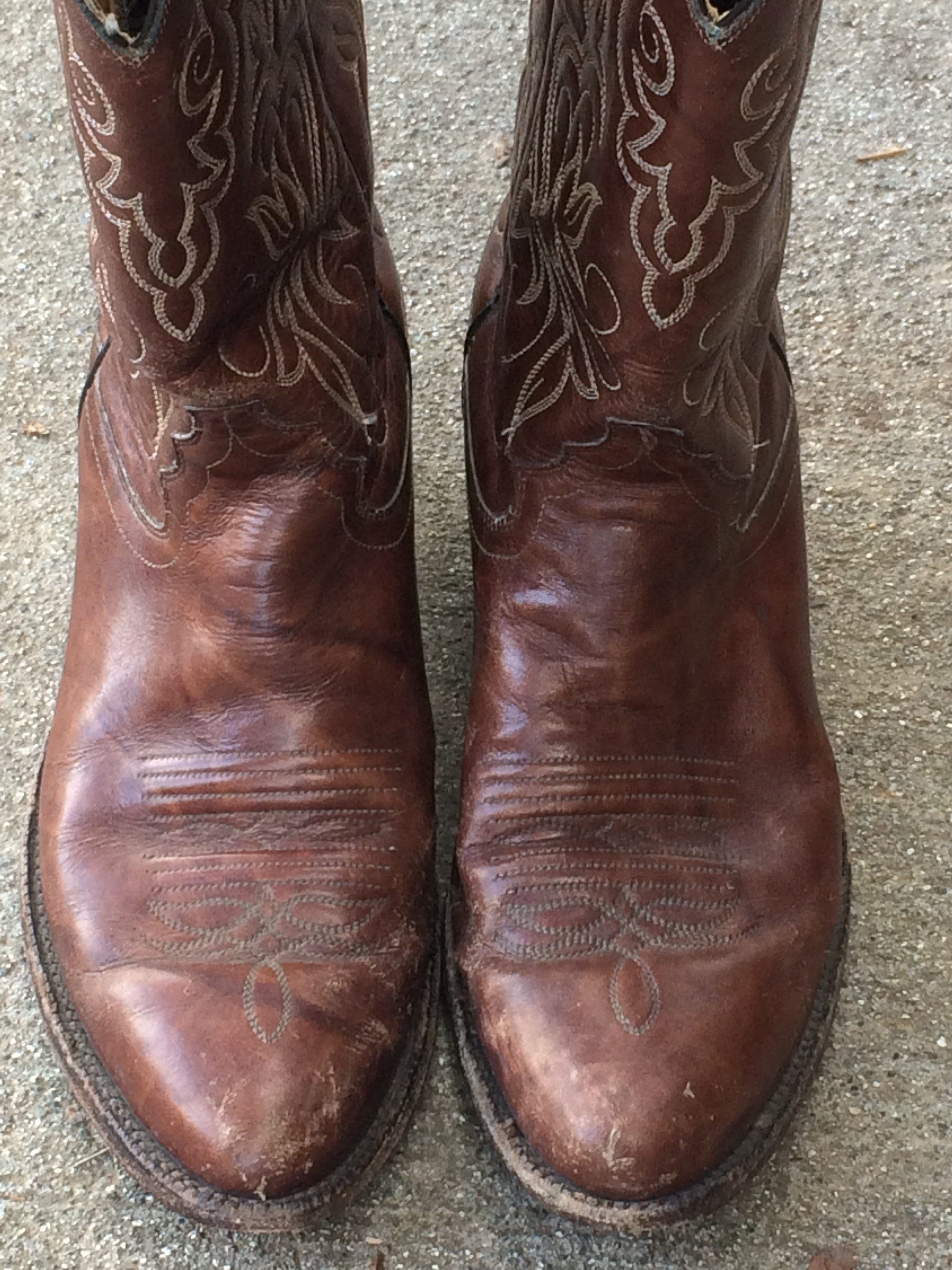 942b6e5eefed7 How to Buy Vintage Cowboy Boots