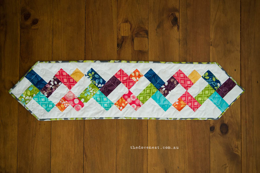 doubel helix table runner