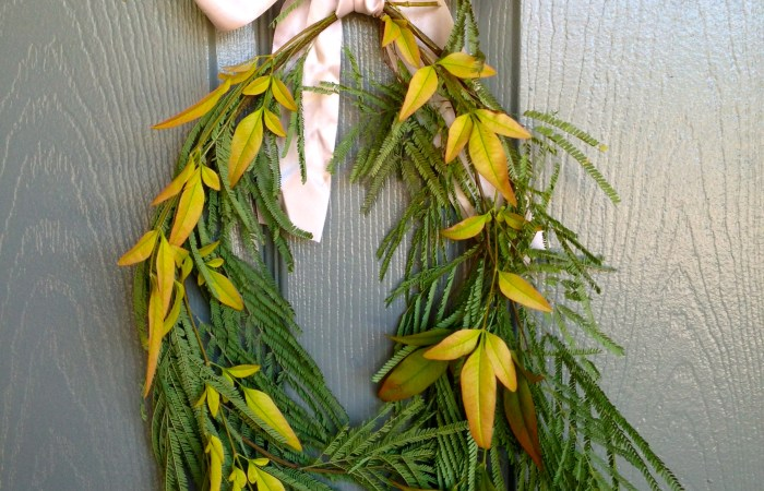 How To : Simple Fall Foliage Wreath