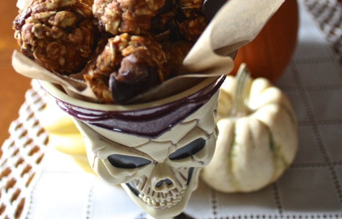 No-Bake Pumpkin Oatmeal Raisin Bites