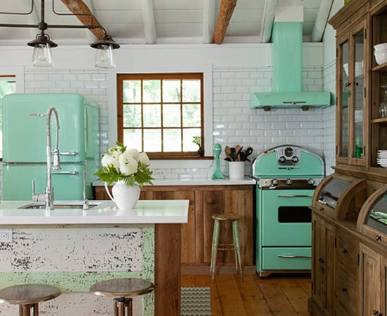 Kitchen Details : Bright Retro Appliances