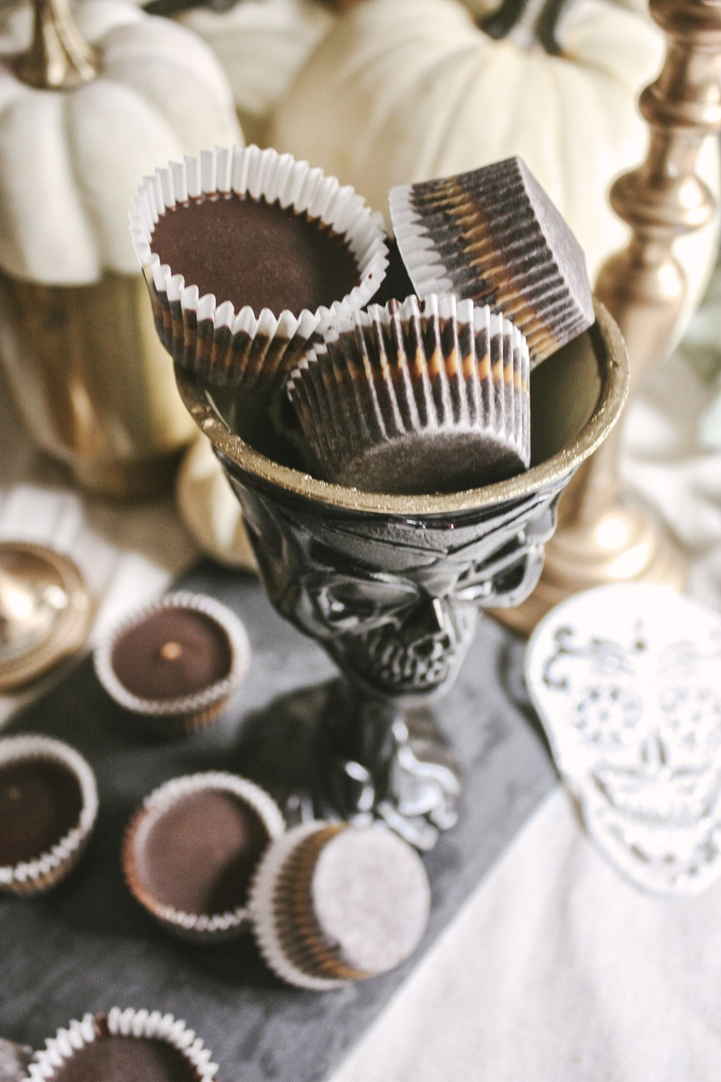 Healthy Halloween :: Dark Chocolate Peanut Butter Cups || Dreamery Events