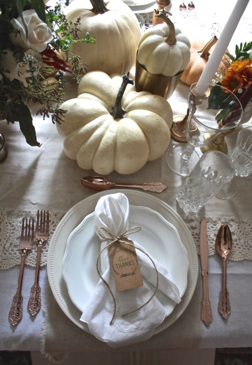 Organic & Soft Metallic Thanksgiving Tablescape | Dreamery Events