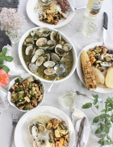 An Effortless Late Summer Party Menu & a Laidback Playlist | Dreamery Events