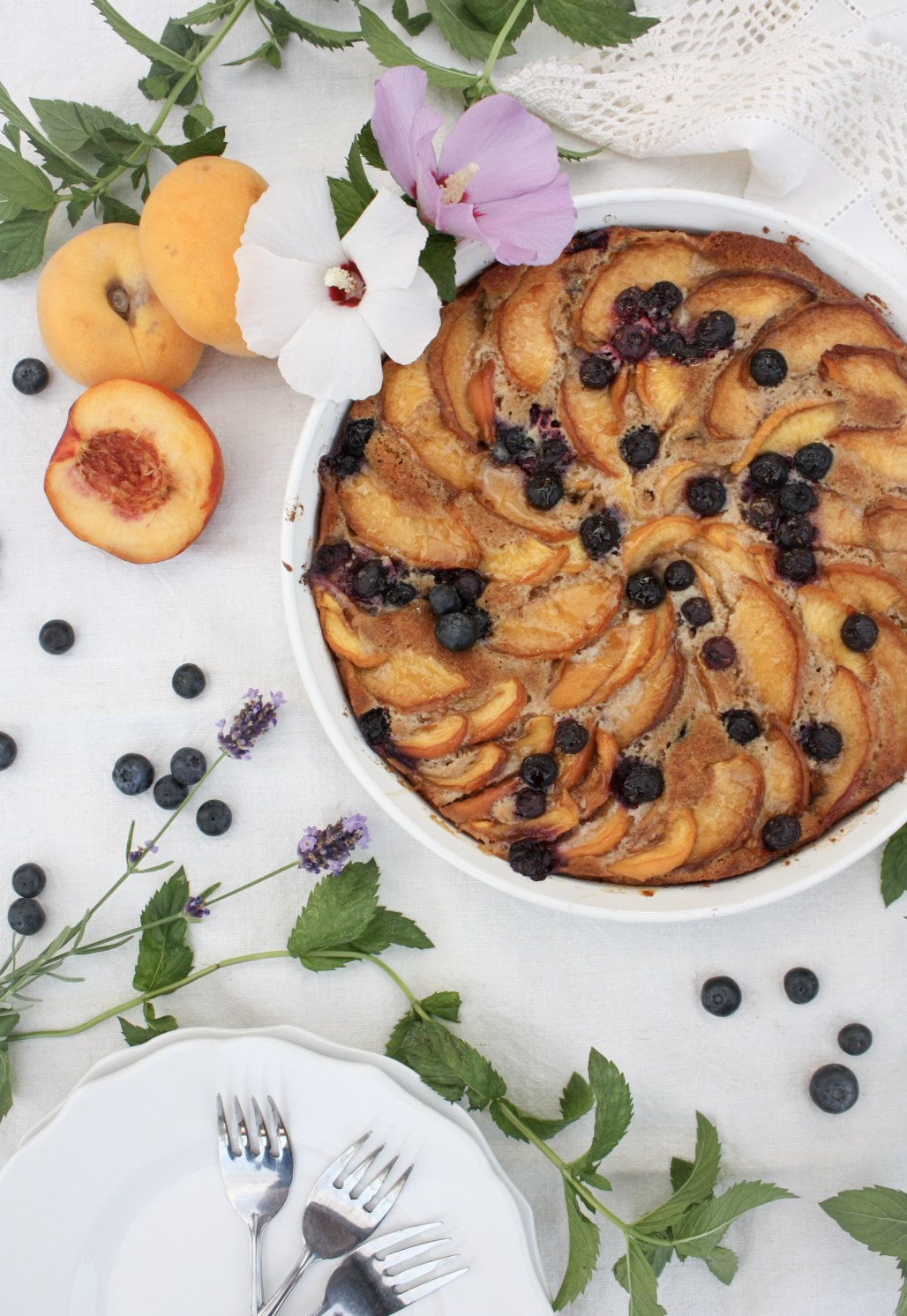 A Rustic Peach & Blueberry Cake   Dreamery Events