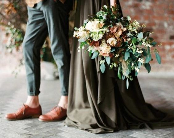 Autumn Mood || Earthy Greens, Soft Natural Hues & Snippets of Black