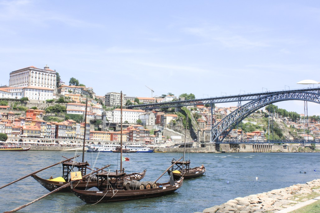 Traveling to... Where Tradition Meets Lively Beauty : Porto