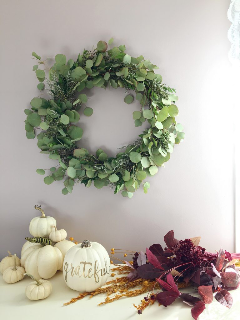 Handmade Holiday : A Fragrant Natural Wreath DIY | Dreamery Events