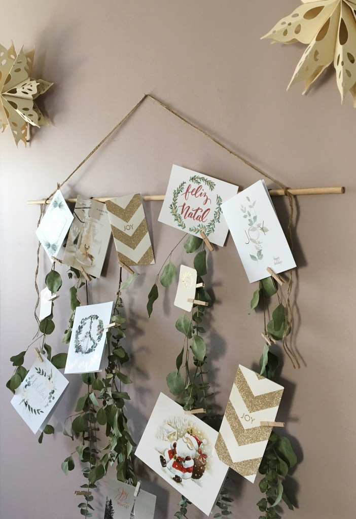 Handmade Holiday : DIY Eucalyptus Garland Holiday Card Display | Dreamery Events