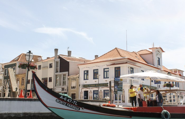 "A Moliceiro Boat Ride through Aveiro's Ria || The ""Portuguese Venice"