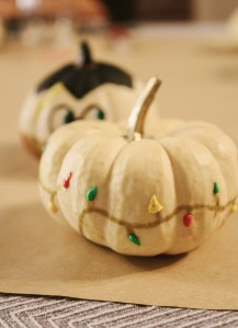 Hosting a Thanksgiving Pumpkin Decorating Brunch for a Good Cause || Dreamery Events