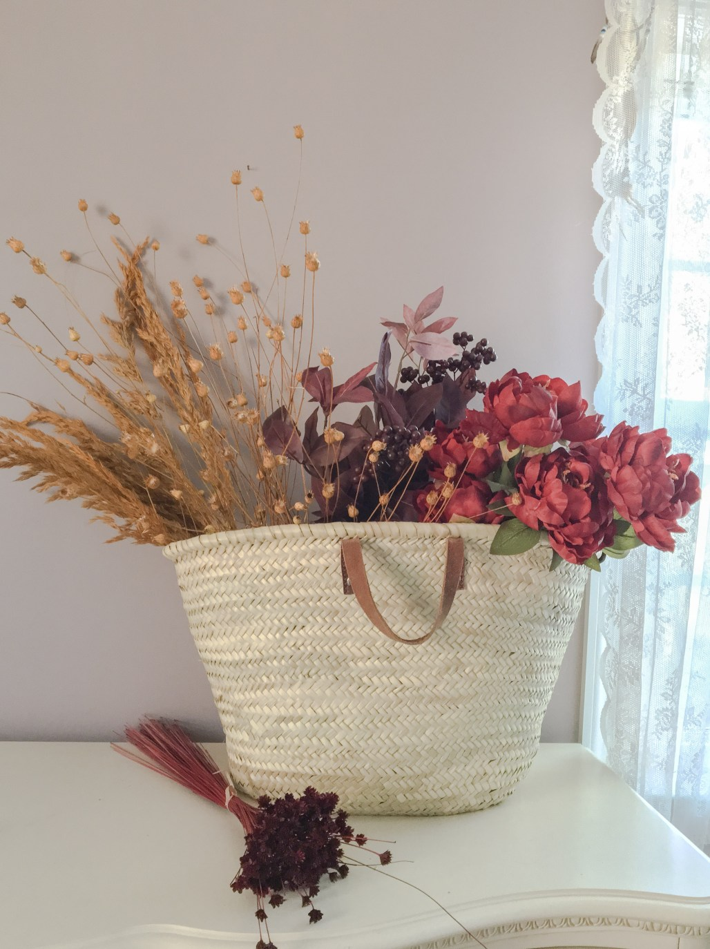 Autumn Decor Inspiration :: Baskets + Richly Hued Blooms || Dreamery Events