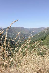 Traveling to ..... Poço do Inferno waterfall in Manteigas || Serra da Estrela || Dreamery Travels