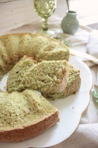"Whole Wheat Arugula + Spinach Cake :: Bolo ""Shrek"" de Agrião e Espinafre || Dreamery Events"