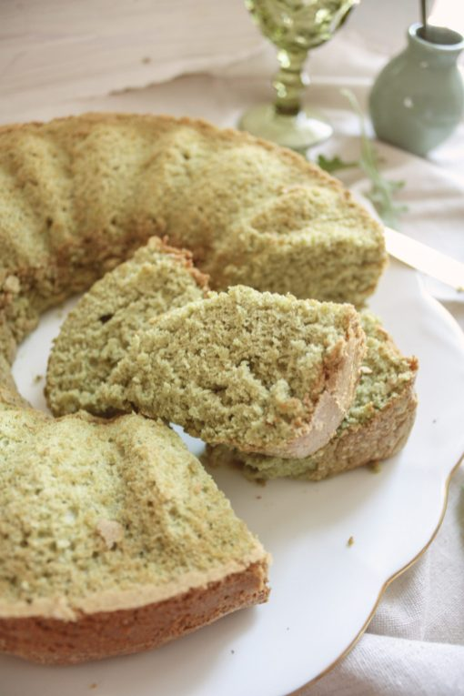"Whole Wheat Arugula + Spinach Cake :: Bolo ""Shrek"" de Agrião e Espinafre 