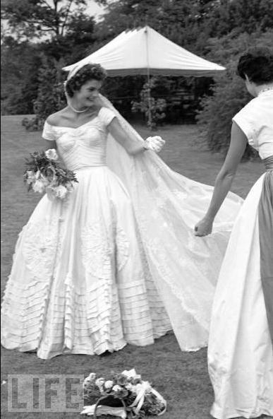 Le nozze dei Kennedy parte 1 Bob JFK Jackie O  The Dress