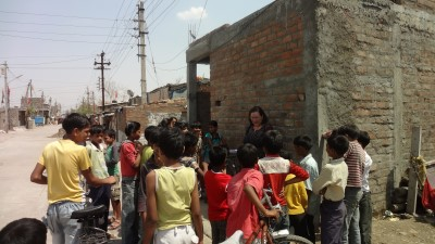 Maria with some of the children from Indore. (Photo credit: Miguel Contreras, IBM)