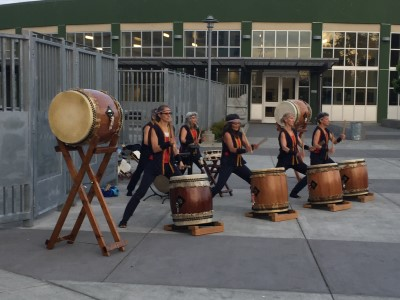 New this year - Taiko drummers perform as attendees arrived in front of the high school. They were mesmerizing!