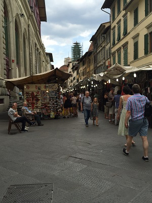 Open-air market in Firenze.