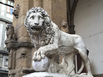 Medici lion by Fancelli and Vacca (1598).