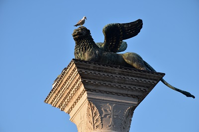 Column detail with pigeon.