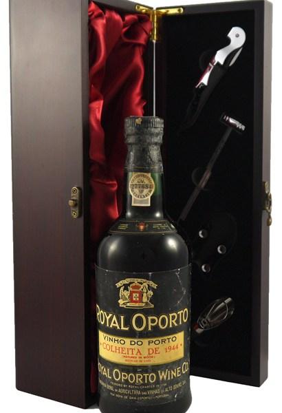 1944 Real Companhia Velha Royal Oporto Port 1944