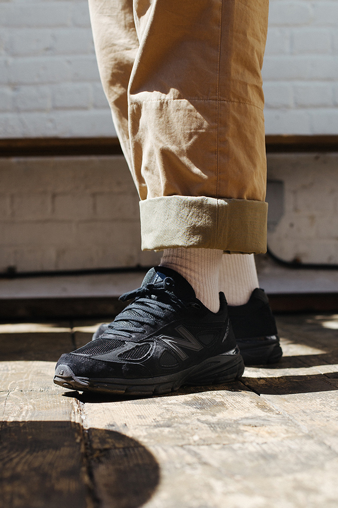 Back in Triple Black OnFoot with the New Balance 990v4