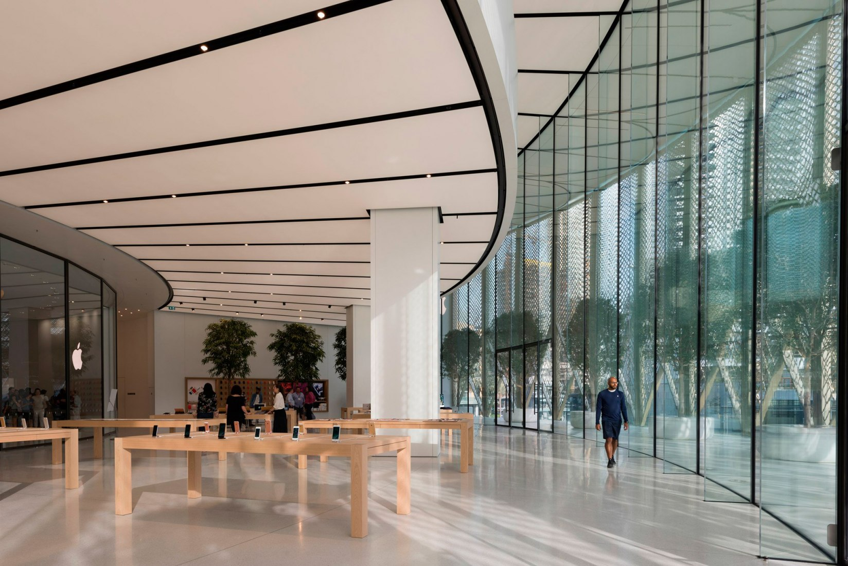 Apple reopens stores in UAE after quarantine - TheDubaiNow