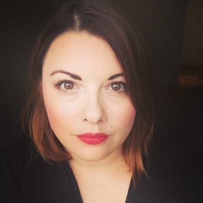 Portrait photo of Amy Thibodeau