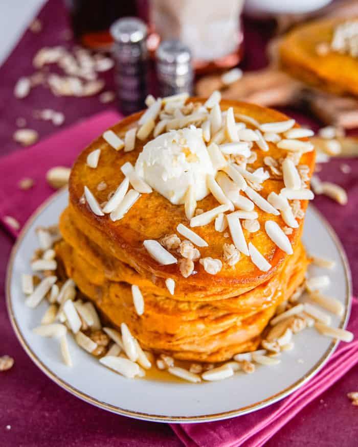 Vegan Pumpkin Spice Pancakes