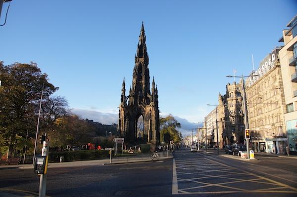2011_11 Edinburgh Trams 109